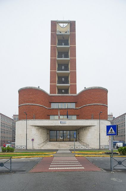 ex-casa littoria, Asti 13/11/2010 : Asti, piazza Alfieri / via L. Einaudi: ex-casa littoria (Ottorino Aloisio, 1934-35)