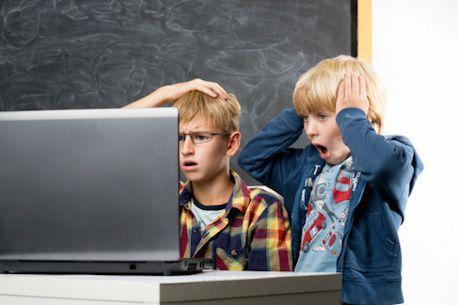 Porno in de klas... wat nu? Artikel van Kennisnet over belang van opstellen internetbeleid op school. Laat je niet overvallen door een incident
