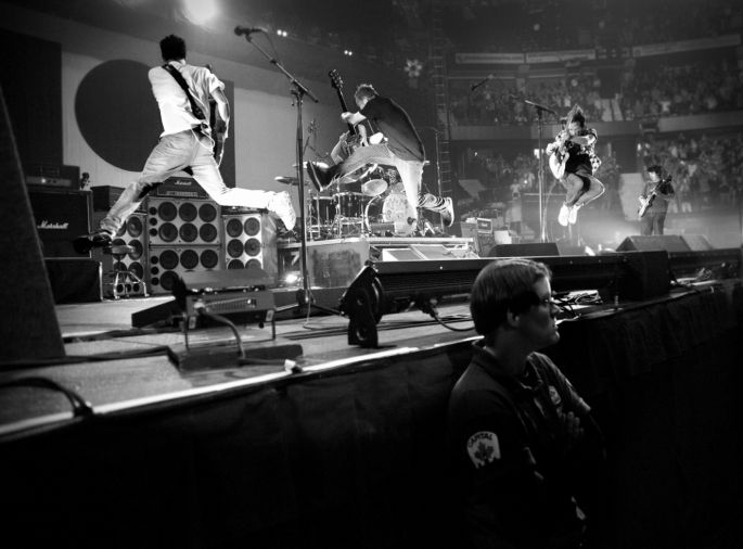 PEARL JAM ANNOUNCES FALL 2013 NORTH AMERICAN TOUR DATES