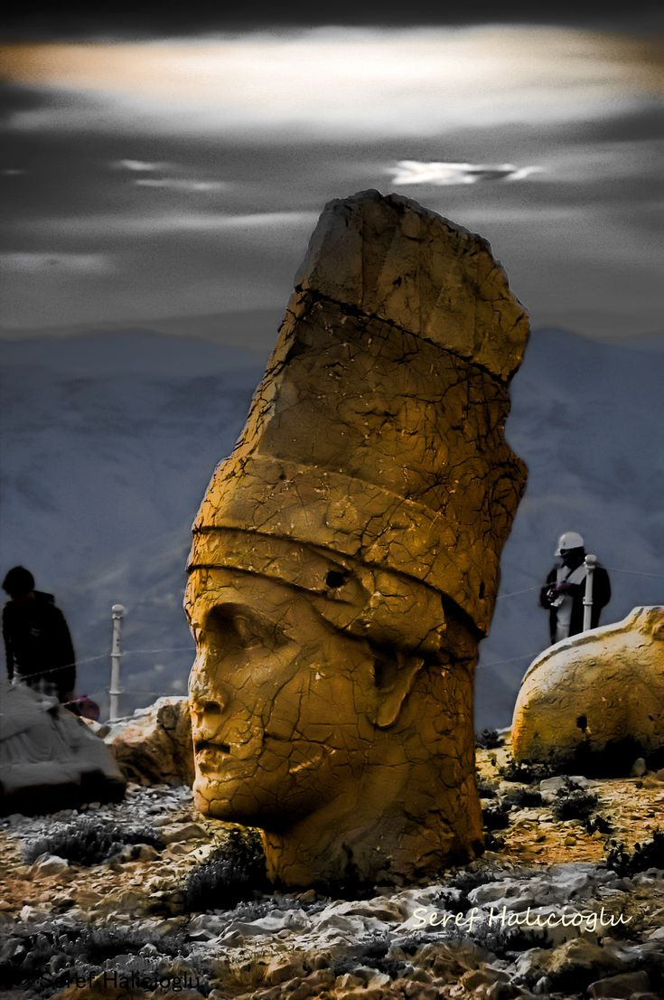 Antiochus I, King of Commagene West Terrace, Nemrut Mountain National Park, Kahta, Adiyaman