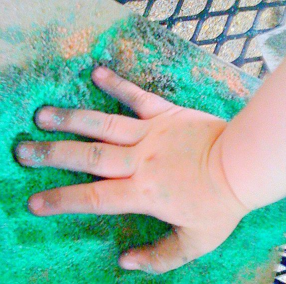 Outdoor art 101: how do I make a sand painting craft? - National Early Childhood Educational Activities | Examiner.com