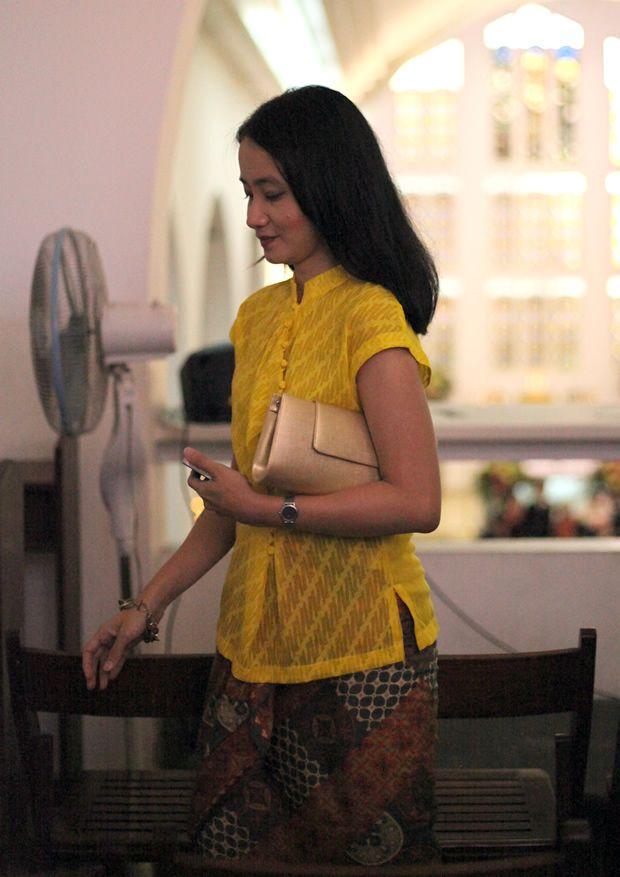 Yustin + Kebaya + Batik