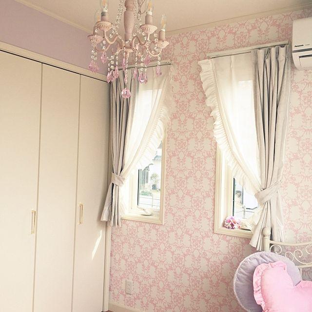 女性で、3LDKの紫×白×ピンク/子供部屋/女の子の部屋/サンゲツ/姫部屋/プリンセス…などについてのインテリア実例を紹介。(この写真は 2017-03-04 11:26:25 に共有されました)
