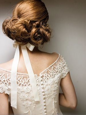 love the hairstyle and the back of this dress.