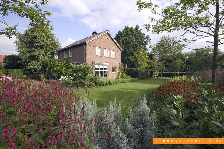 Tuin inspiratie De Rooy Hoveniers bloementuin bloeiende borders stijlvolle tuin Dussen