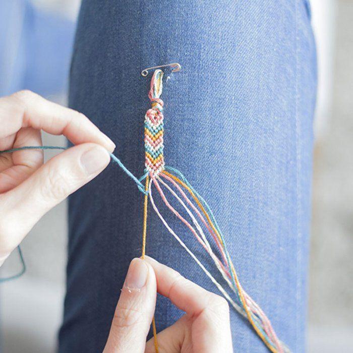 Bracelet brésilien: un modèle en chevron facile à réaliser