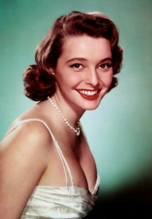PATRICIA NEAL:    (1926 - 2010) -     ACTRESS    ( A FACE IN THE CROWD )