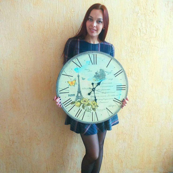 """38 отметок «Нравится», 1 комментариев — Medvedkina Alexandra""""💋 (@alexandra_vintage_big_clock) в Instagram: «Мои часы в диаметре более полуметра!  60 см - это мебельный стандарт, это размер мойки, плиты,…»"""