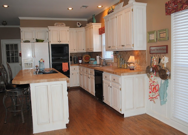 Idea For Kitchen Update White Cabinets With Wood Vinyl