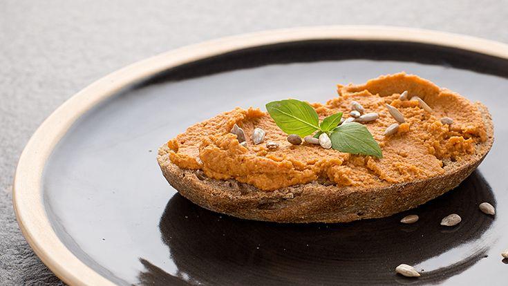 true taste hunters - kuchnia wegańska: Pasta z czerwonej soczewicy i słonecznika (wegańska, bezglutenowa)