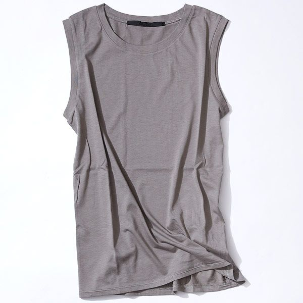 """特別な夜には、きれい色のスカートを! ルミネ有楽町のショップから夏のナイトライフに役立つコーディネートをセレクト! どこか""""上品""""で""""こなれた""""スタイルが得意の人気スタイリスト山崎ジュンさんが「すぐマネできる」テクニックをお伝えします。"""