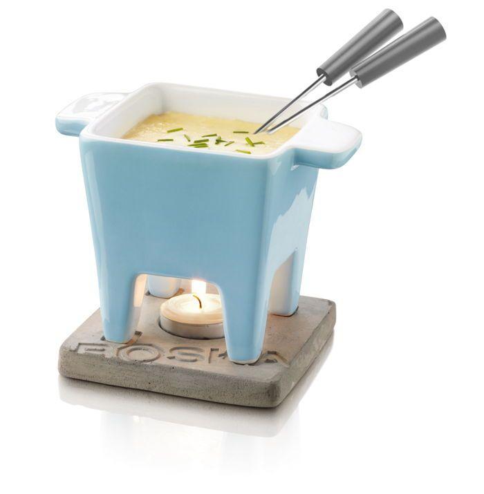Placer le fromage à l'intérieur et mettez le caquelon dans le four à micro-onde. Ensuite, vous n'avez plus qu'à allumer une bougie et à la placer sous le caquelon et elle gardera votre fromage au chaud ! Service à fondue 2 personnes Boska Life Tapas Bleu http://www.raviday-fromage.com/service-a-fondue-2-personnes-life-tapas-bleu-boska/ #fromage #fondue #cuisine #chocolat #fondueauchocolat