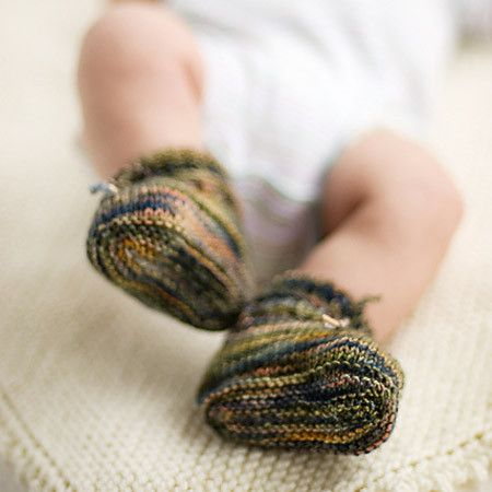 Stay-On Baby Booties - Knitting Pattern - Tangled Yarn UK