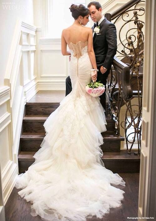 Superb New sample and used Inbal Dror wedding dresses for sale at amazing prices Browse our Inbal Dror wedding gowns and find your dream dress for less