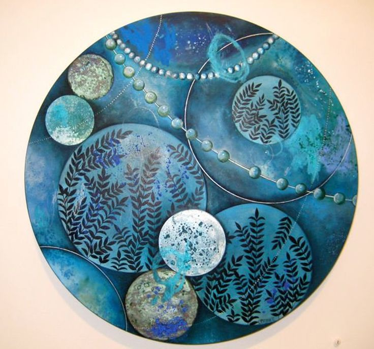 Nicky Forman NZ Artist. Flourish - After Botticelli. Oil on Board 350mm diameter