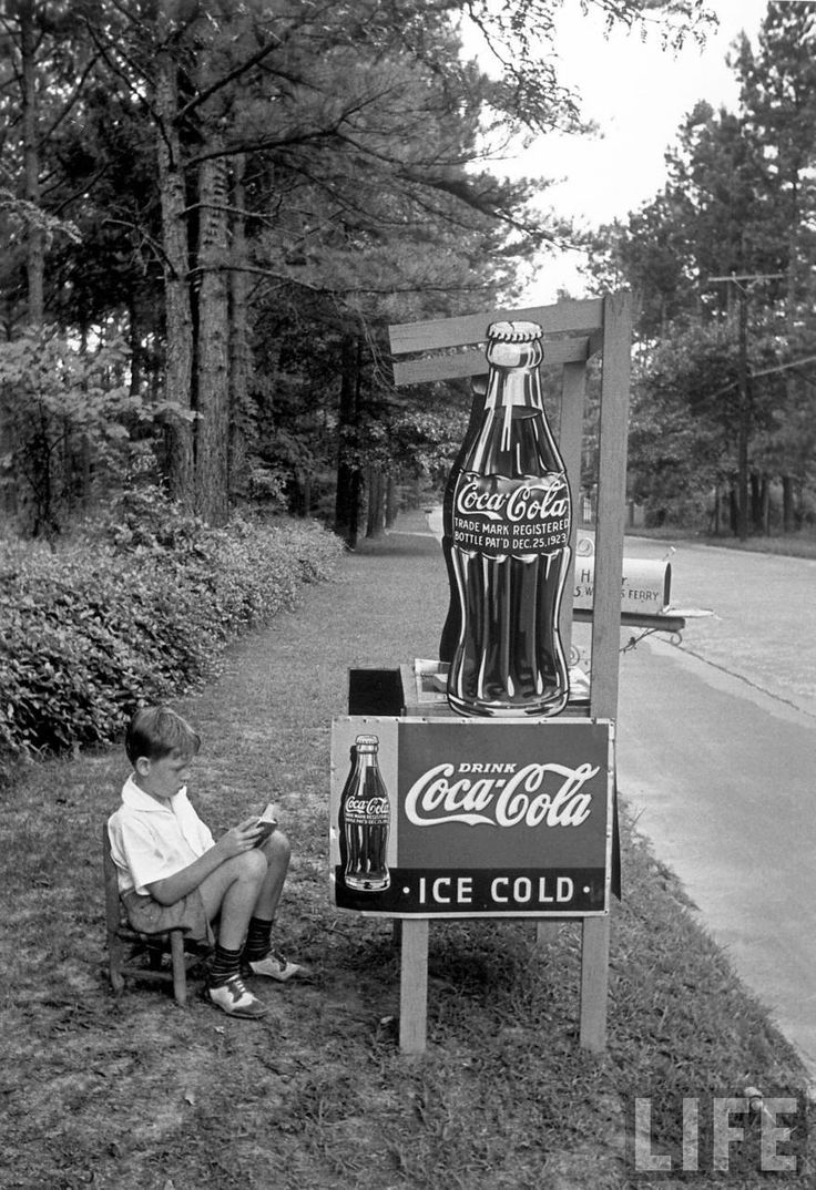 coca cola selling concept Cola-cola started to sell in 1899 the primary drink, coca cola, for five cent a piece in the early 1950s the company began to introduce new product items.
