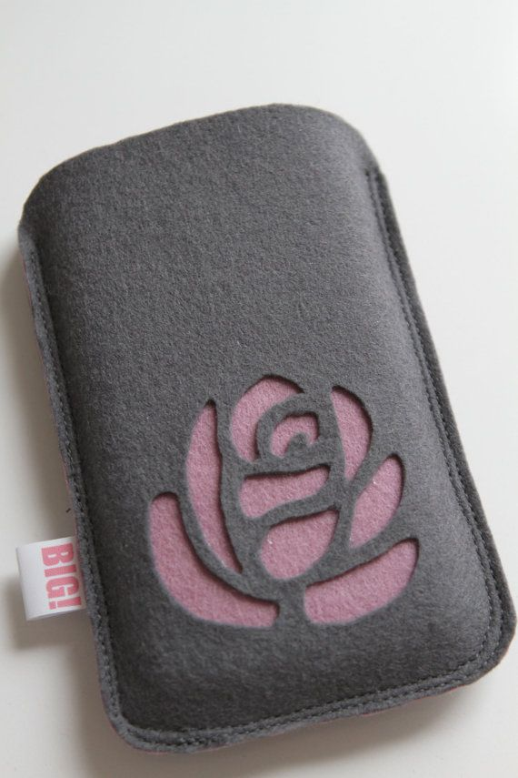 Felt cell phone cover for Iphone or smartphone - Classy grey with purple rose. €17,50, via Etsy.