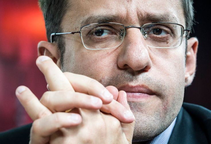 actual chess: Levon Aronian was 3rd overall, but although he had mathematical options to win, the most reasonable goal was to finish second, if he won the London tournament-