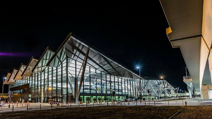 Airport Transfers Gdansk Ultra luxury chauffeur-driven executive airport transfers. We will meet and greet you at the airport in one of our chauffeur-driven cars or arrange a stylish departure from airport Gdansk. Travel in style, wherever you're going.