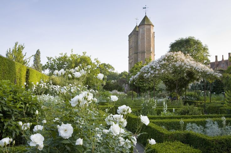 the-white-garden-at-sissinghurst-credit-ntpl-jonathan-buckley.jpg