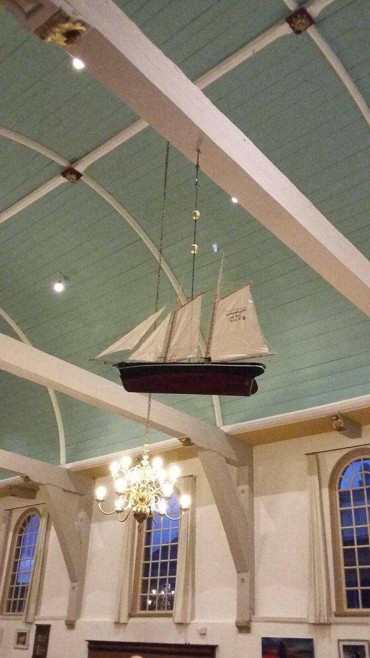 Boot in de kerk, kan alleen op Terschelling ⛵