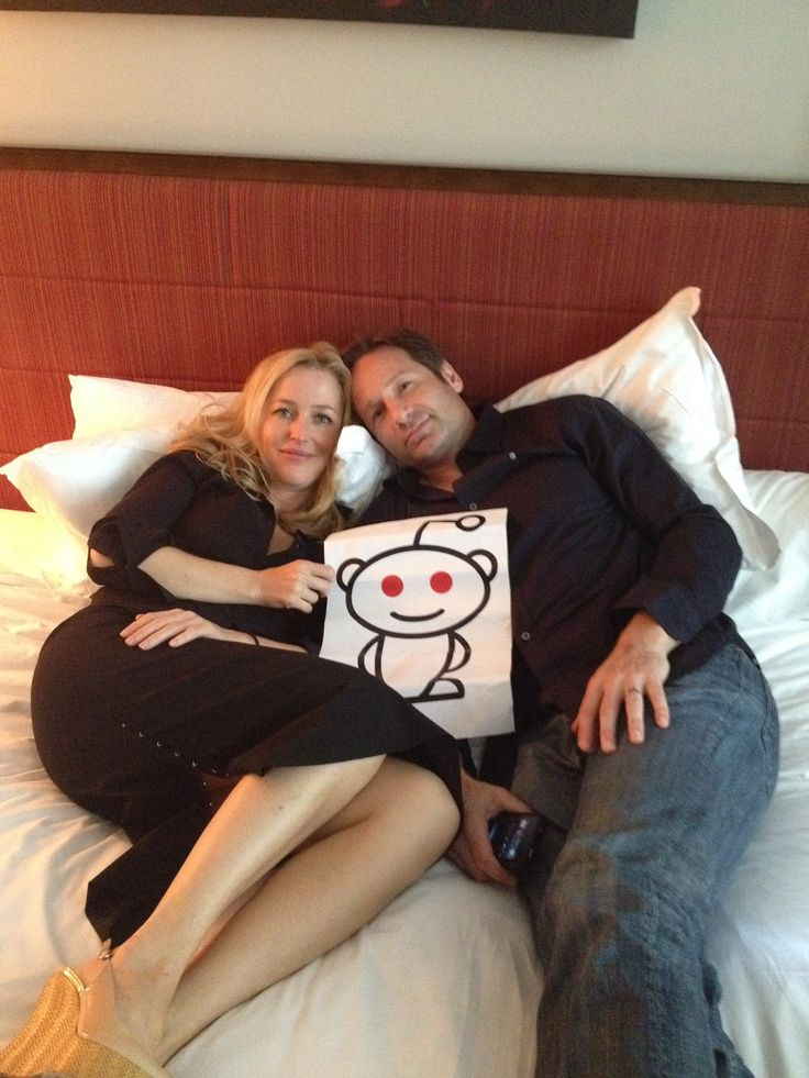 Oh how I loved this show!!! the X-Files 20th anniversary . Gillian Anderson / David Duchovny No better chemistry ever on TV !