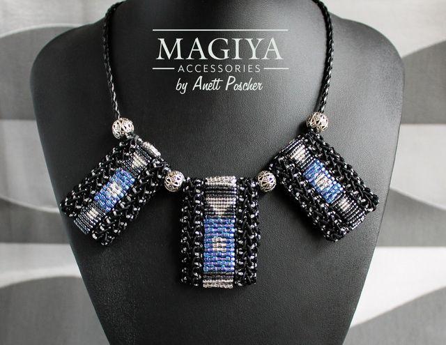 Black Symmetry✿ビーズ刺繍ネックレス