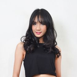 Asri Putriningrum -  - Black Crop Top - Asri Putriningrum