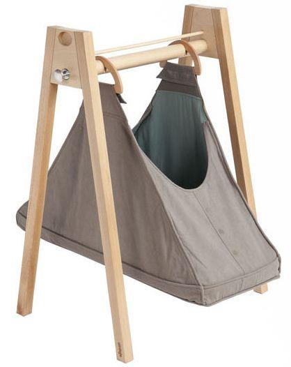 baby hammock 2 The Moses Basket Baby Hammock for perfectly portable newborn sleep