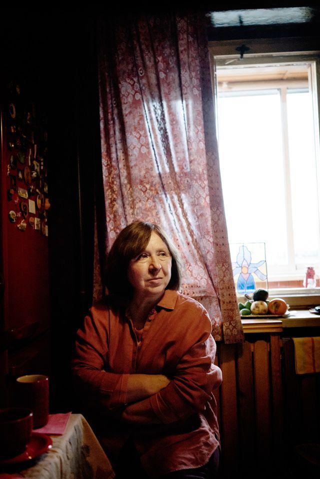 Swetlana Alexijewitsch in ihrem Zuhause in Minsk, Weissrussland. Foto: Beatrice Lundborg (TT, Keystone)