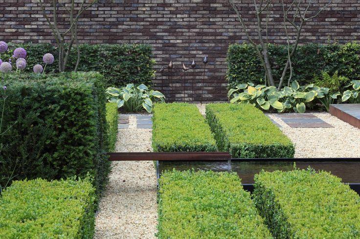 17 beste idee n over tuin architectuur op pinterest hangende tuinen hedendaagse patio en - Hedendaagse fontein ...