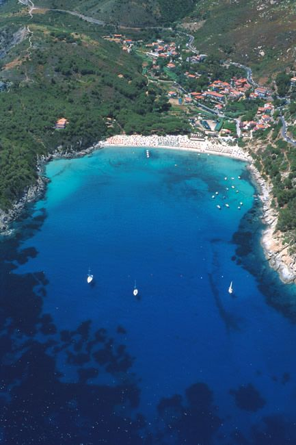 Fetovaia - Isola d'Elba , Tuscany. The water is so clear!