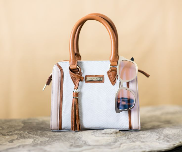Brooklyn Bag and the Carla Sunglasses Caribbean Collection Spring 2017 @ Caroline Neron