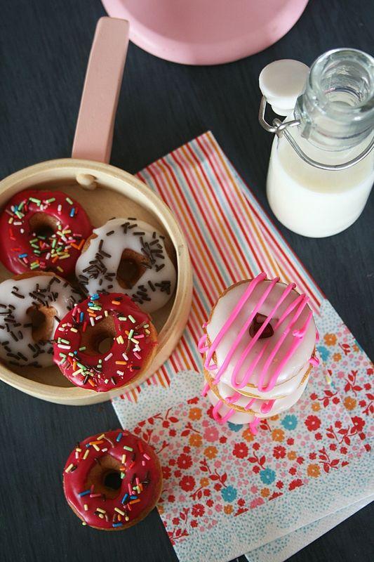 Recette : Mini donuts au glaçage - Passion culinaire - by Minouchka #sweet #patisserie #gourmandise