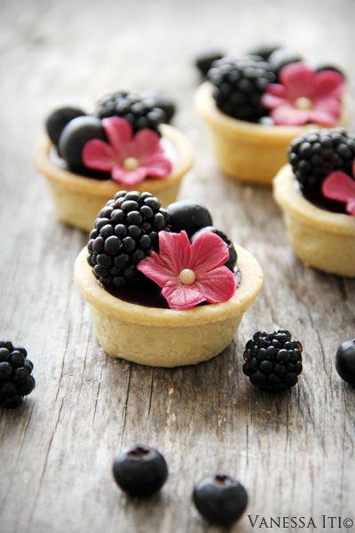 chocolate berry tart