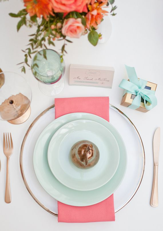 Modern art gallery wedding inspiration   photos by Haley Photography   100 Layer Cake