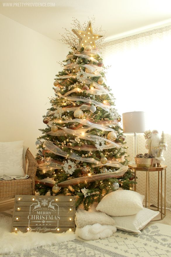 I am obsessed with this whimsical precious metals dream Christmas tree! So easy to throw together, and so magical to look at! MichaelsMakers Pretty Providence