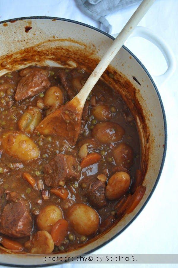 """Beef bourguignon - """"Boeuf bourguignon"""" manzo alla borgognona - Due bionde in cucina"""