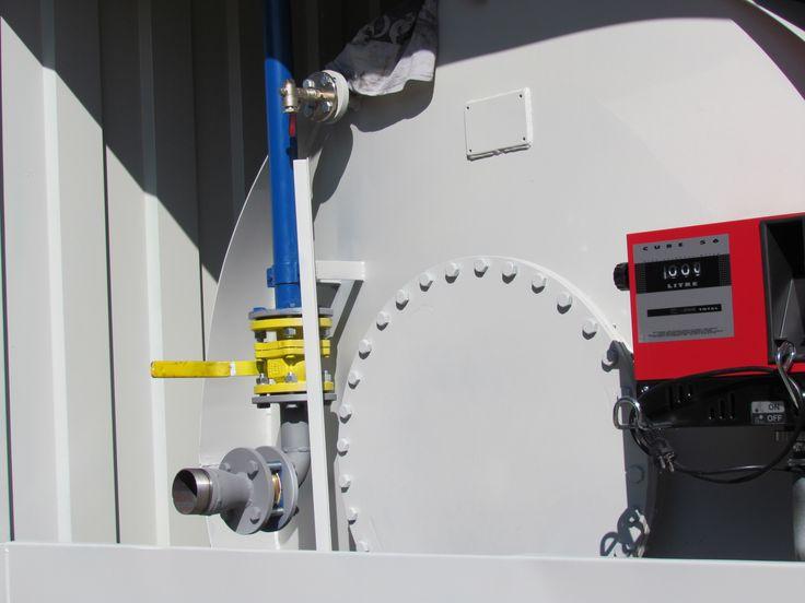 Segítünk kiválasztani az optimális konténerkút, üzemanyagkút tartály méretet. Megterevzzük a üzemanyag kiszolgálási rendszert. Segítünk a konténerkút telepítés kiválasztásában. Telephelyen belüli elhelyezésében, engedéylezési helyszín kijelölésében.
