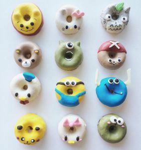 Cartoon donut designs. Adorable Donut Designs from Erina. Cute donut design. 甜甜圈http://tummyfriend.com/cartoon-design-donuts/