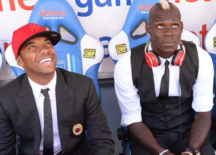 Robinho and Balotelli before the match against Pescara