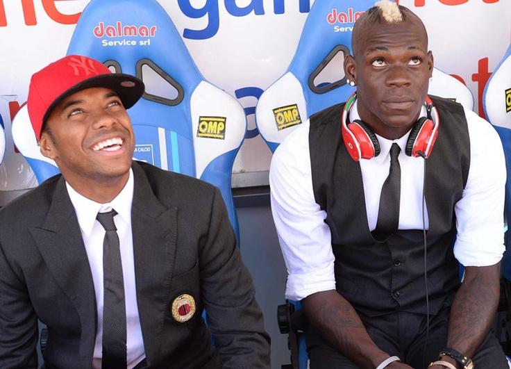 Robinho and Balotelli before the match against Pescara