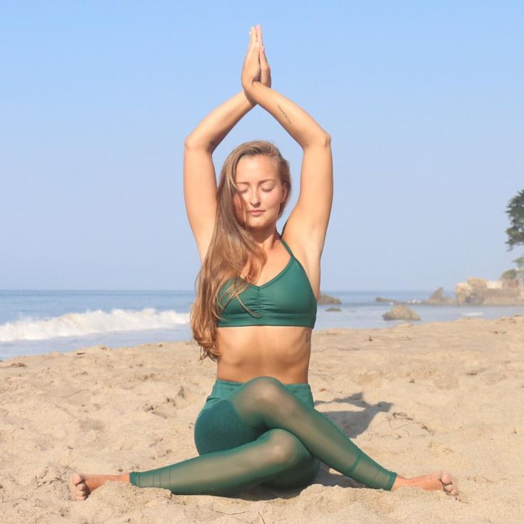 The Alo Yoga Motion Legging #yoga #yogainspiration