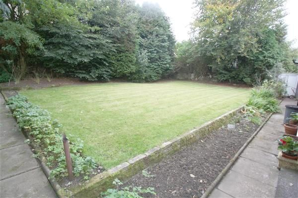 Bungalow for sale in Moor End Road, Halifax, Halifax HX2 - 30665314