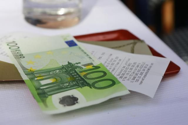 How Will the Paris Attacks Affect the Euro?