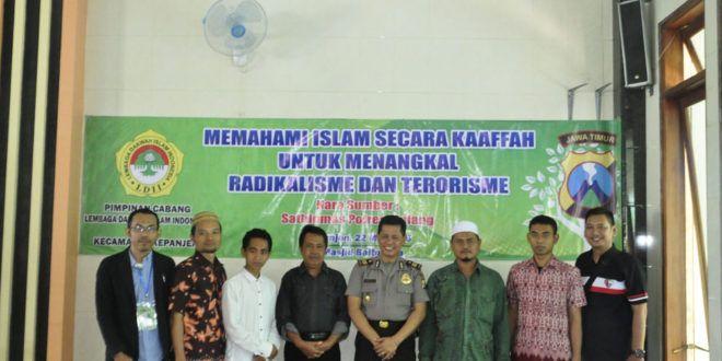 PC LDII Kepanjen menggelar pengajian sekaligus sosialisasi tentang bahayanya radikalisme dan terorisme yang bertempat di Masjid Baitul A'la, Kepanjen, Kabupaten Malang, Minggu (22/5).