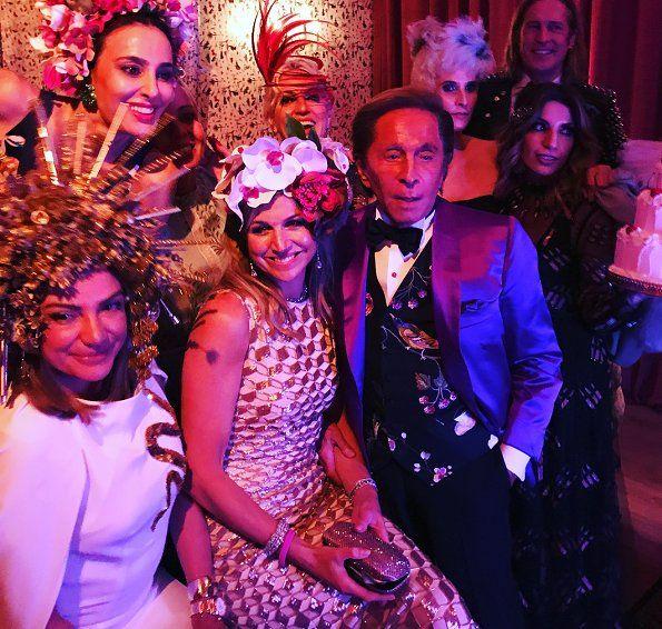 De Royals wonen het verjaardagsfeestje van Pavlos en Olympia