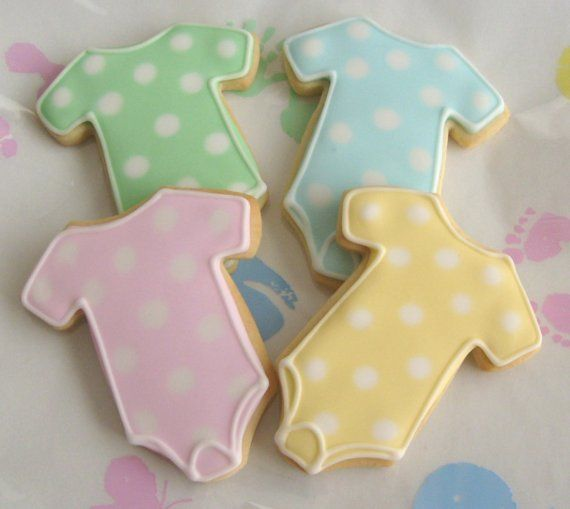 These onesie baby shower cookies are too cute!