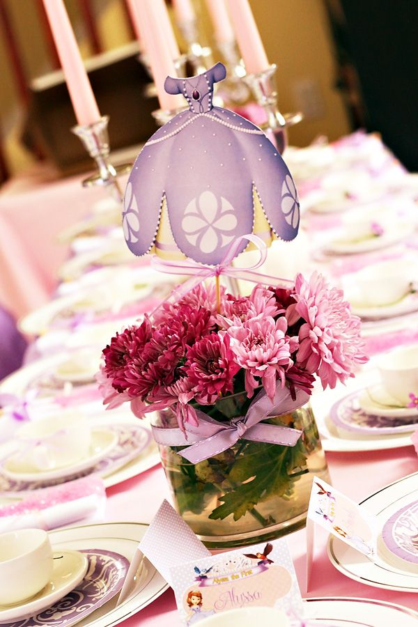 Sofia the first inspired royal tea party birthday for Decoracion cumpleanos princesas