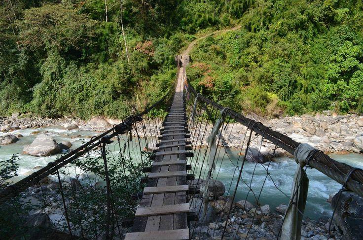 Подвесной мост.  Рассвет у подножья Аннапурны, Hikeup